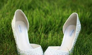 Địa chỉ mua giày đính đá cho cô dâu