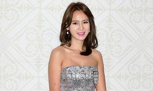 Hoa hậu Hàn đẹp nuột nà dù đã hai con