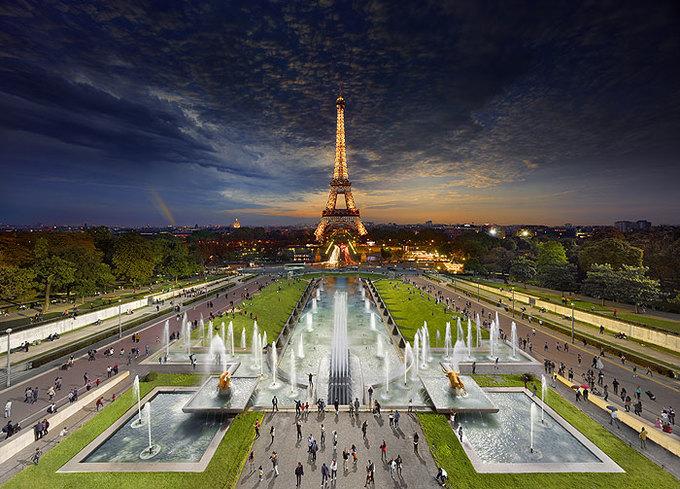 'Ngày xuyên đêm' ấn tượng ở các thành phố nổi tiếng