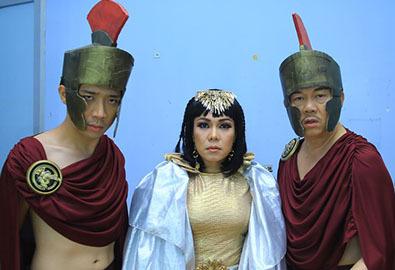 Việt Hương làm Nữ thần chân ngắn