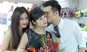 Bạn trai Dương Hoàng Yến tình tứ hôn Ngọc Khuê
