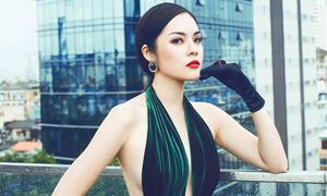 Dương Cẩm Lynh mặc táo bạo, khoe vẻ sexy