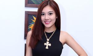 Tăng Huỳnh Như xinh đẹp sau phẫu thuật chân