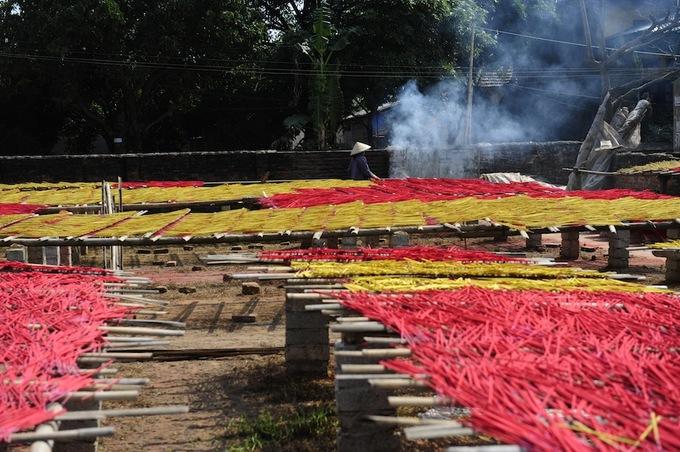 Làng nghề làm hương hai trăm năm tuổi ở Hưng Yên