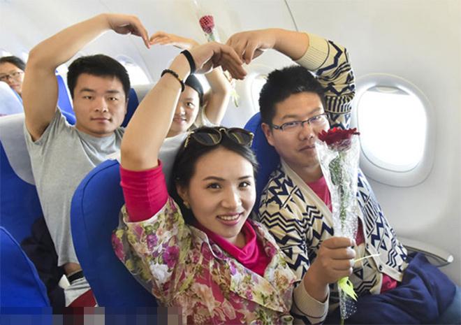 Đám cưới trên máy bay của 58 đôi uyên ương Trung Quốc
