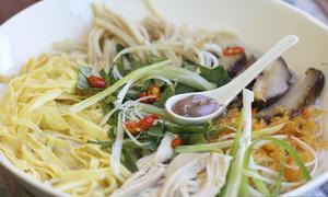 Món bún thang kỳ công của người Việt xa quê