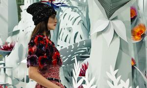 Tuyệt tác khu vườn 3D ở show Chanel Couture