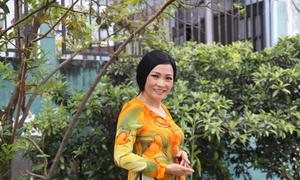 Phương Thanh tôn nét hiền dịu với áo bà ba