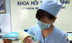 Những đứa trẻ bị bố mẹ chối bỏ tại bệnh viện