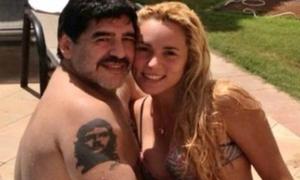 Những hình ảnh 'dậy sóng' của Maradona