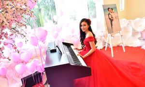 Tiệc cưới Miss Thy Thơ phủ hàng trăm bông hoa cầu kỳ