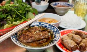 25 món ăn phải nếm thử ở Sài Gòn trong mắt hot blogger người Mỹ