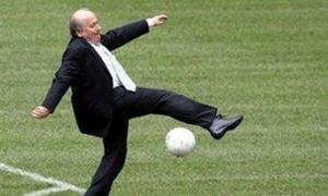5 tình huống hài hước của Chủ tịch Blatter