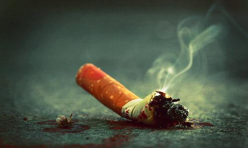 Đàn bà hút thuốc