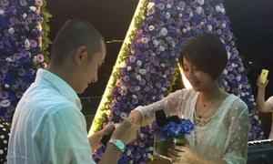 'Đường Tăng' Văn Chương cầu hôn vợ sau scandal ngoại tình