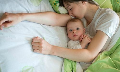 5 lý do và cách xử lý khi trẻ khó ngủ