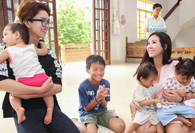Hoa hậu Thu Hoài không cho con mặc đẹp khi đi từ thiện