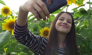 6 điều tuyệt đối không làm khi chụp selfie