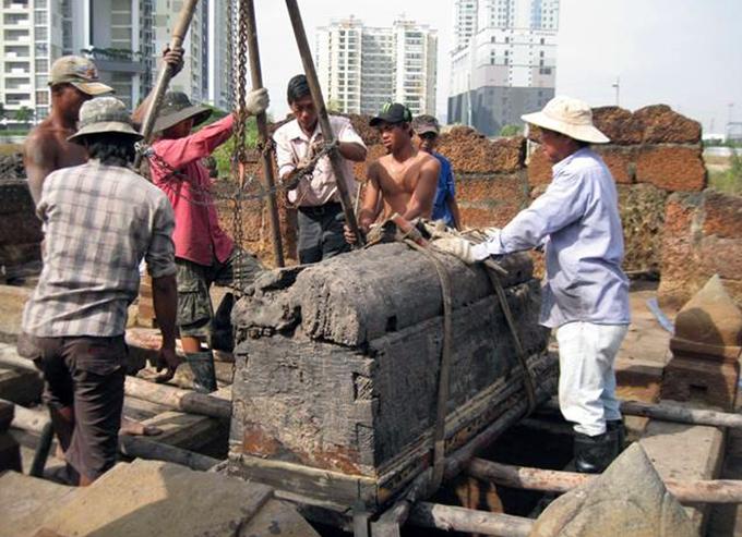 8 ngôi mộ cổ của người đi mở cõi Sài Gòn