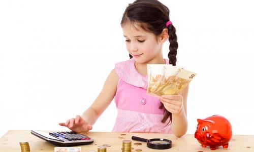 Cách bố mẹ Anh, Mỹ dạy con về tiền theo độ tuổi