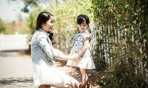 Chiêu 'đặc trị' khủng hoảng tuổi lên 3 của mẹ đông con