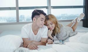Phạm Hồng Phước lãng mạn bên hot girl