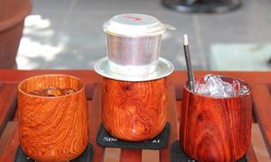 Quán cà phê độc đáo sử dụng ly bằng gỗ