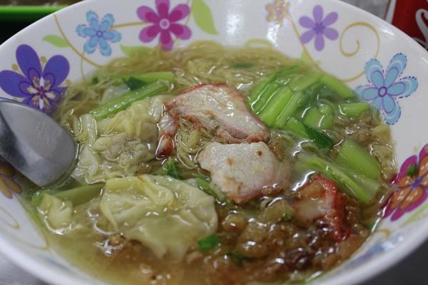 dia-chi-cuoi-tuan-quan-an-o-bangkok-duoc-khach-viet-tin-tuong-5