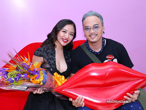 van-mai-huong-quyen-ru-di-hop-bao-9
