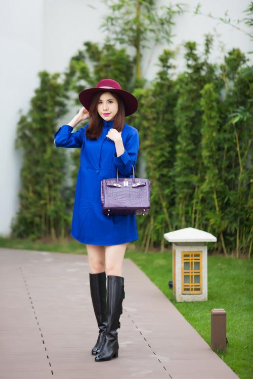 Nữ doanh nhân khoe mình đi mua sắm mối ngày để bộ sưu tập thời trang thêm đa dạng và giúp mình thỏa sức trong việc phối trang phục.