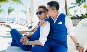Chàng stylist nổi tiếng kể chuyện tình đồng tính