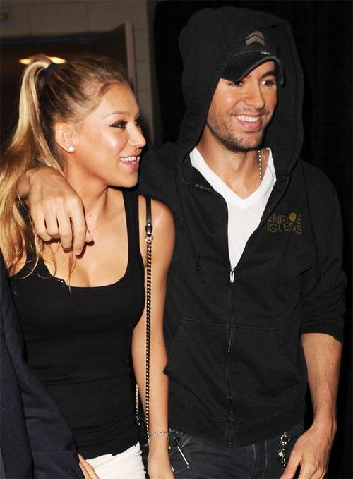 Bên nhau gần 15 năm, cả Kournikova và chàng ca sĩ Enrique Iglesias đều không mặn mà với việc cưới xin, sinh con.