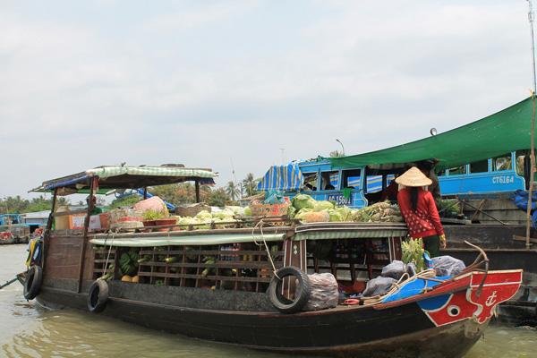 Đến Tiền Giang chưa ghé chợ nổi Cái bè coi như chưa đi.