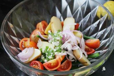 salad-khoai-tay-cho-tiec-noel-4