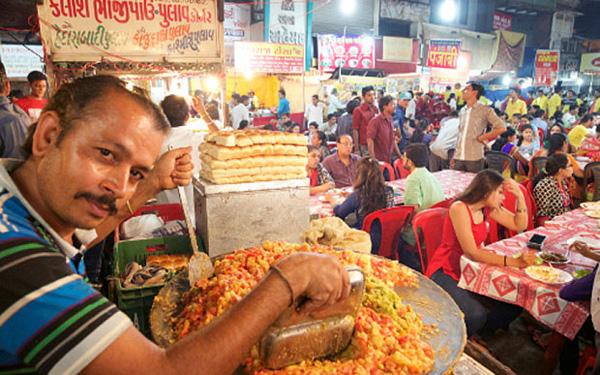 Cơm Biryani, món cơm đường phố được ưa chuộng nhất.