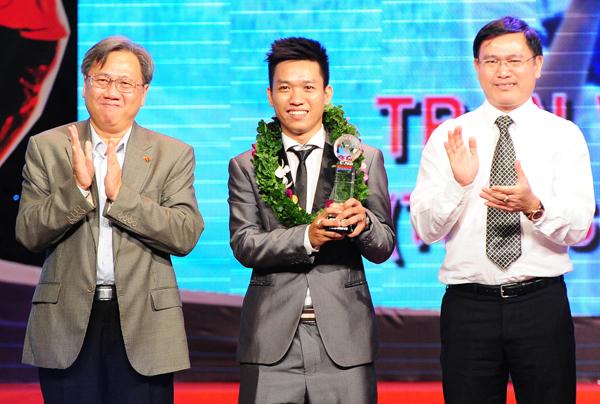 cầu thủ futsal xuất sắc nhất Trần Văn Vũ. Đây là lần đầu tiên bộ môn futsal nằm trong danh mục bầu chọn của giải.
