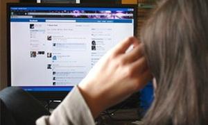 Đại gia đăng ảnh nóng lên Facebook bị xử thua kiện