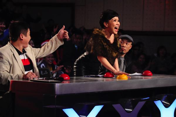 viet-huong-phan-khich-tren-ghe-nong-got-talent