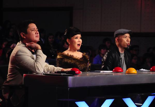 viet-huong-phan-khich-tren-ghe-nong-got-talent-2