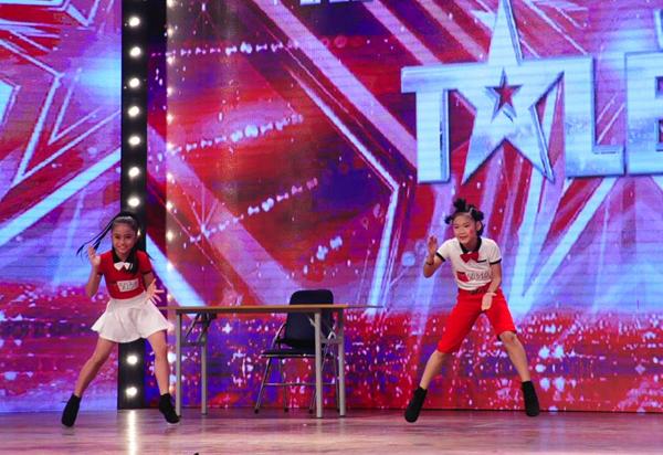 viet-huong-phan-khich-tren-ghe-nong-got-talent-7