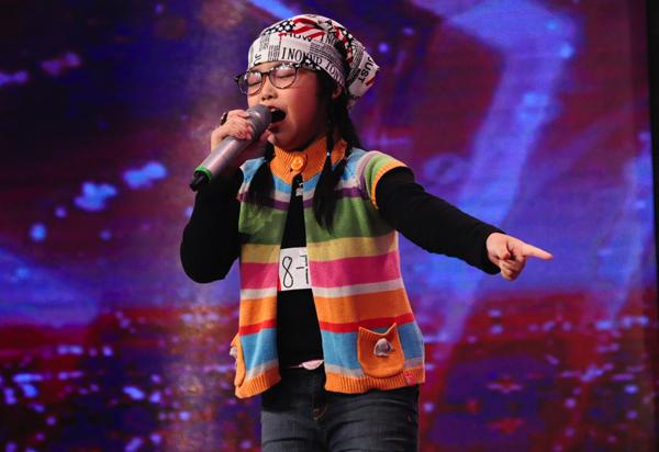 viet-huong-phan-khich-tren-ghe-nong-got-talent-8