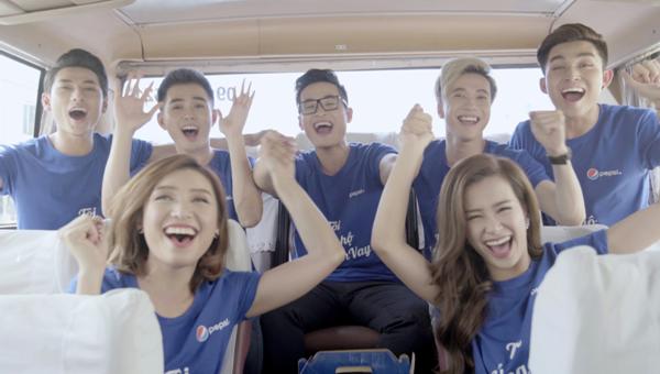 Ngoài Đông Nhi, Hà Anh Tuấn, MV còn có sự tham gia của nhóm 365 và Tiêu Châu Như Quỳnh.