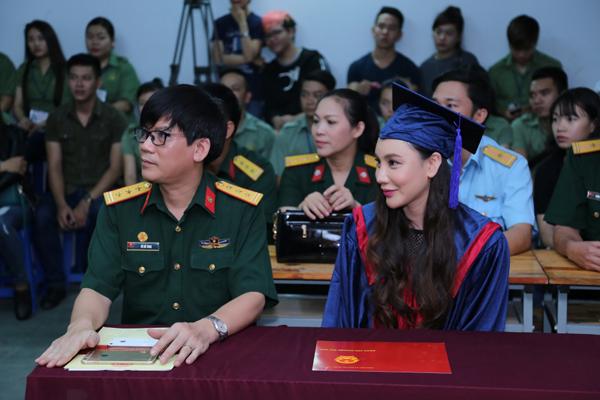 ho-quynh-huong-thi-tot-nghiep-dat-diem-10-tuyet-doi-4