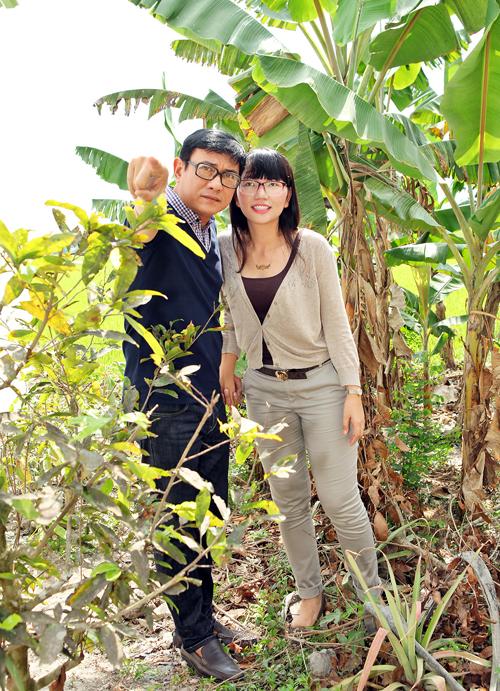 hoang-phuc-nam-tay-vo-tren-bo-ruong-map-mo-4