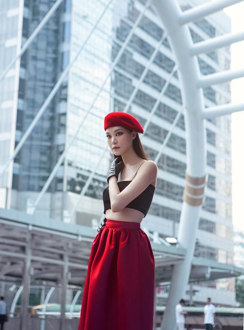 thuy-dung-voi-street-style-ca-tinh-o-bangkok-10