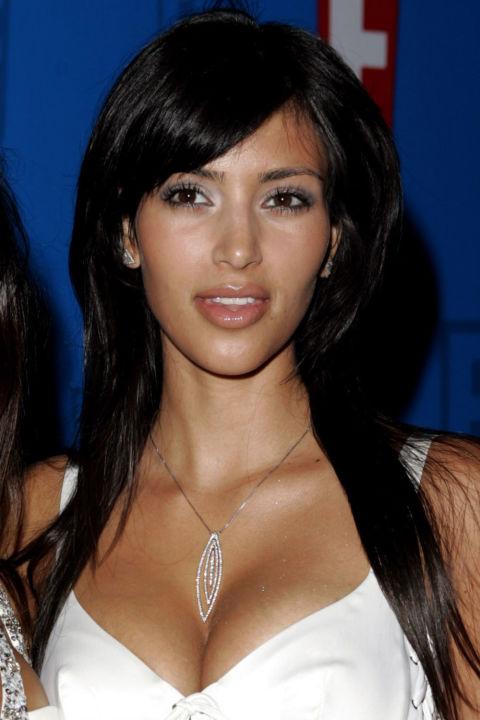 kim-kardashian-10-nam-chi-dung-mot-mau-son