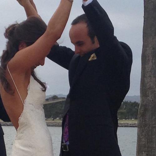 Cặp đôi trong ngày cưới hồi tháng 5/2015. Ảnh: FB.