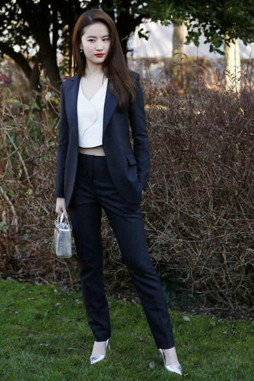 sao-sanh-dieu-du-couture-fashion-week-5