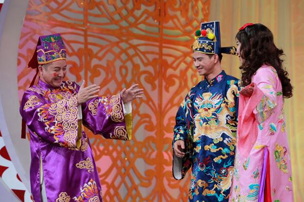 co-du-cong-ly-duoc-phep-chuyen-gioi-trong-tao-quan-2016-4