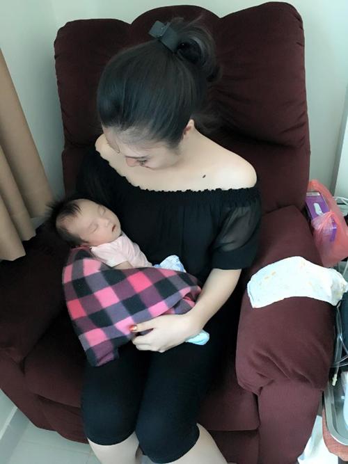 leu-phuong-anh-lam-le-day-thang-cho-con-gai-4